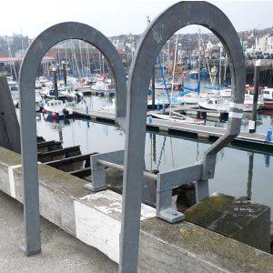 Galvanised hexagon set screws in-situ